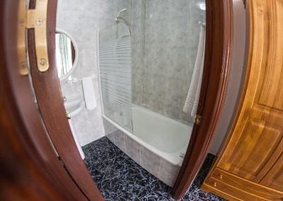 Baño privado en Hostal Caminito del Rey